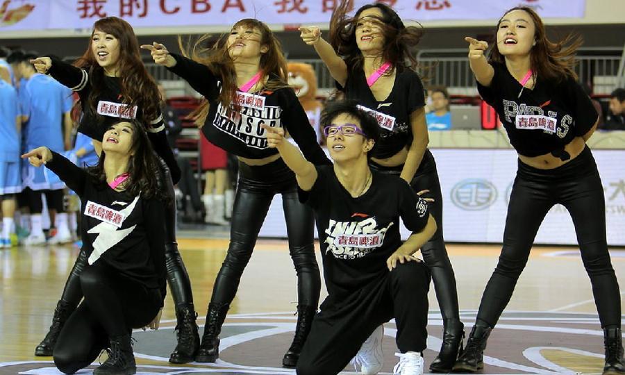 Der Preis der Cheerleader - hinter den Kulissen - Xinhua