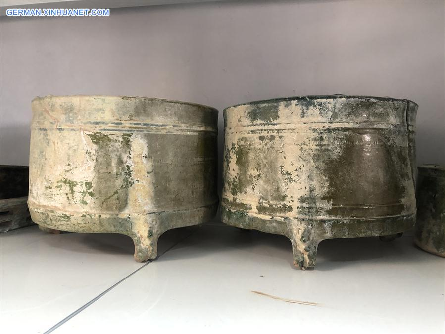 CHINA-HENAN-YELLOW RIVER-ANCIENT TOMBS-BURIAL ITEMS-DISCOVERY (CN)