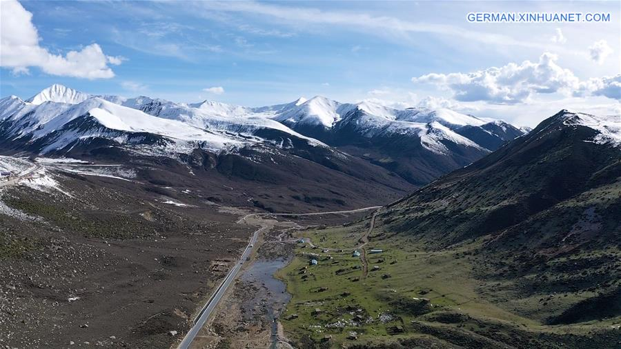 CHINA-SICHUAN-TIBET HIGHWAY-LANDSCAPE (CN)