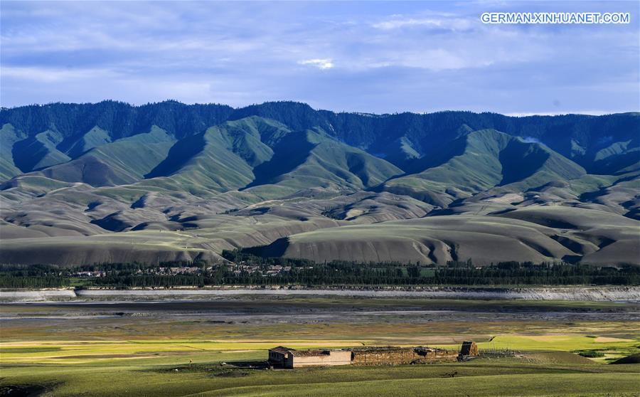 CHINA-XINJIANG-TEKES-LAKE-SCENERY(CN)