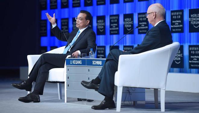 Li Keqiang bei der Eröffnungszeremonie des Davos-Sommerforums