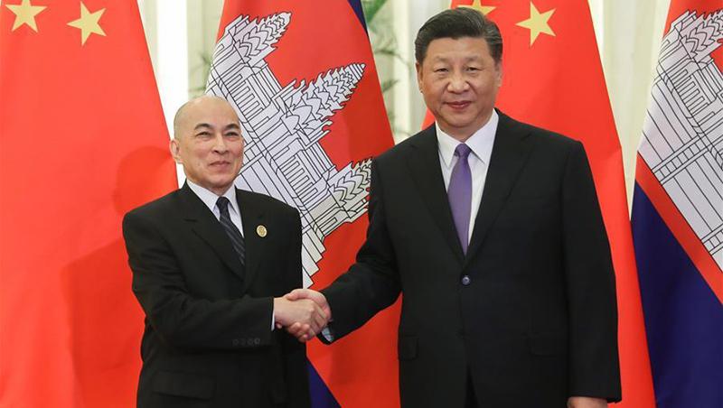 Xi Jinping trifft kambodschanischen König Norodom Sihamoni