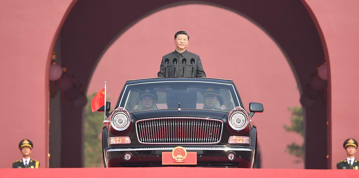 (Nationalfeiertag) Xi inspiziert Streitkräfte am Nationalfeiertag