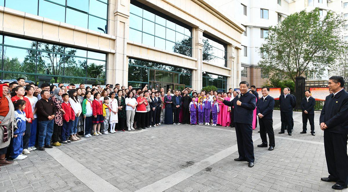 Xi inspiziert Qinghai im Nordwesten Chinas