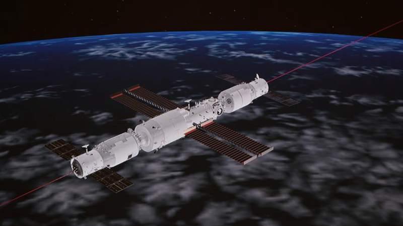 Chinas Versorgungsraumschiff dockt an Kernmodul der Raumstation an