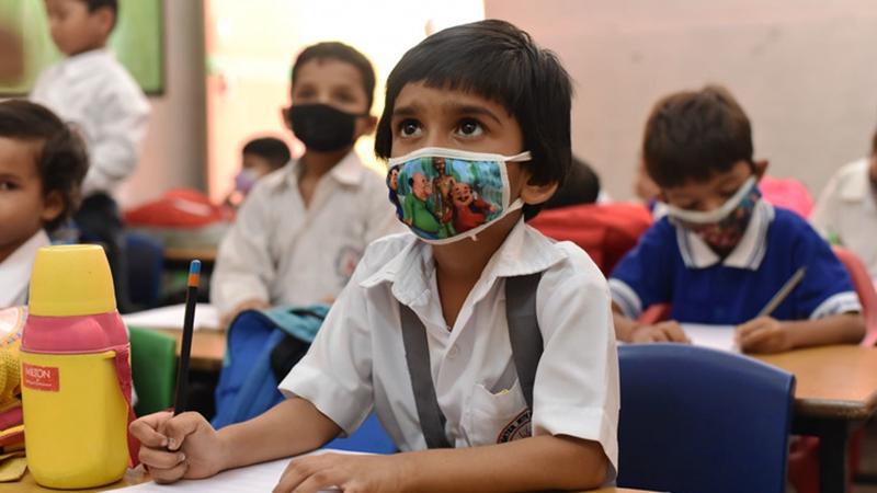 Schulen in Indien öffnen nach Lockerungen von COVID-19-Beschränkungen