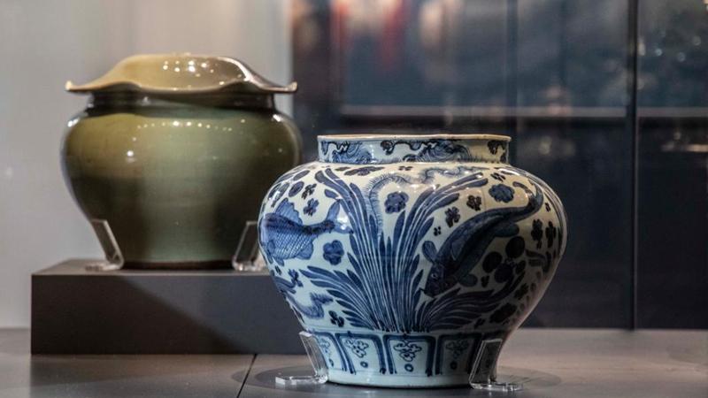 Chinesische Porzellane im türkischen Topkapi-Palastmuseum ausgestellt