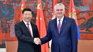 Xi Jinping führt Gespräche mit Serbiens Präsidenten Tomislav Nikolić