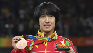 Sun Yanan gewann Bronzemedaille im Ringen