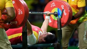 Tan Yujiao gewinnt Goldmedaille im Gewichtheben