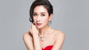 Kristy Yang posiert für Fashionshoots