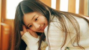 Schauspielerin Zhao Lusi posiert für Fotoshoots