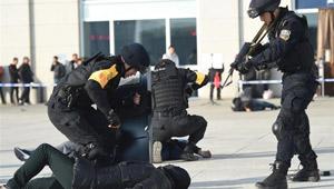 Anti-Terrorübung in Hohhot abgehalten