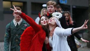 Bunter Karnevalsumzug in Köln