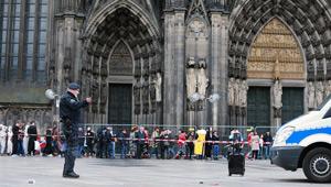 Ein verdächtiger schwarzer Rollkoffer in Köln