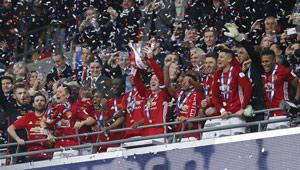 Manchester United gewinnt League Cup