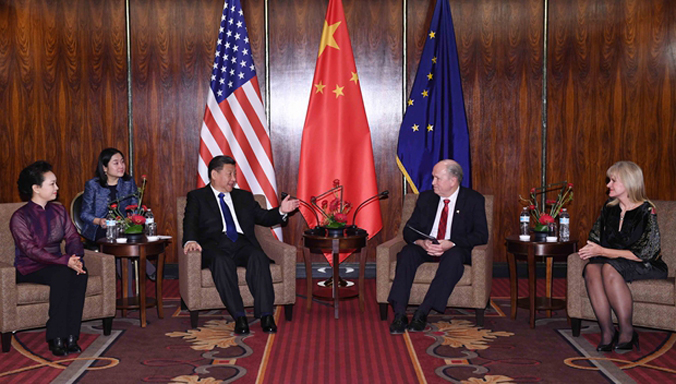 Xi Jinping trifft Gouverneur des US-Bundesstaates Alaska in Anchorage