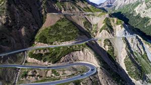 Schnellstraße Dushanzi-Kuqa in Xinjiang