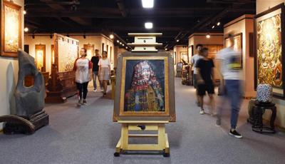 Lederkunstgallerie der ethnischen Gruppe der Mongolen in Hohhot eröffnet