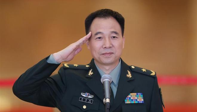 Delegierte des 19. Parteitags der KPCh beim Interview