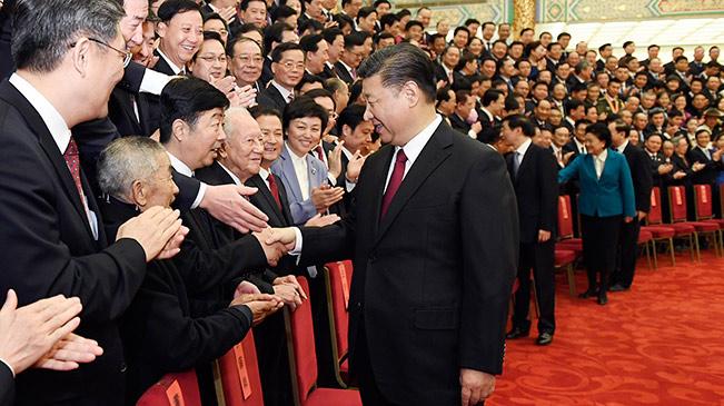 Xi Jinping trifft Vertreter der ethischen Vorbilder und Pioniere in Beijing