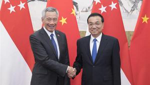 Li Keqiang führt mit singapurischem Premierminister Gespräche