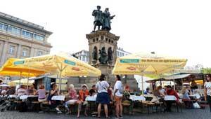 Erleb Apfelweinkultur beim Frankfurter Apfelweinfestival!