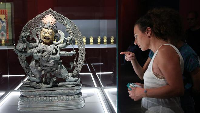 Exquisite Artefakte aus Beijinger Verbotener Stadt werden im Athener Museum ausgestellt