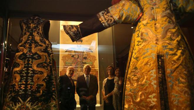 Beispiellose Ausstellung über den chinesischen Kaiser Qianlong wird in Athen eröffnet