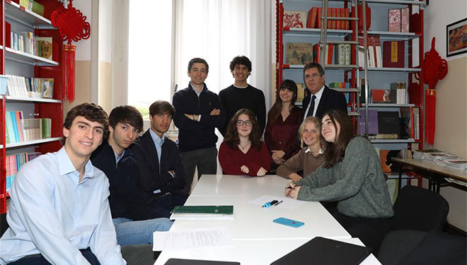Feature: Italienische Schüler durch Brief von Xi ermutigt