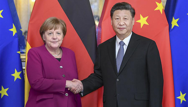 Xi Jinping trifft Angela Merkel in Paris