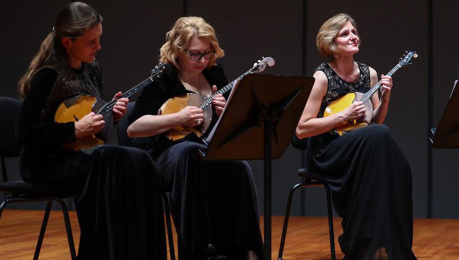 Russian Model Orchestra Chamber treten im Nationalen Zentrum für Darstellende Künste auf