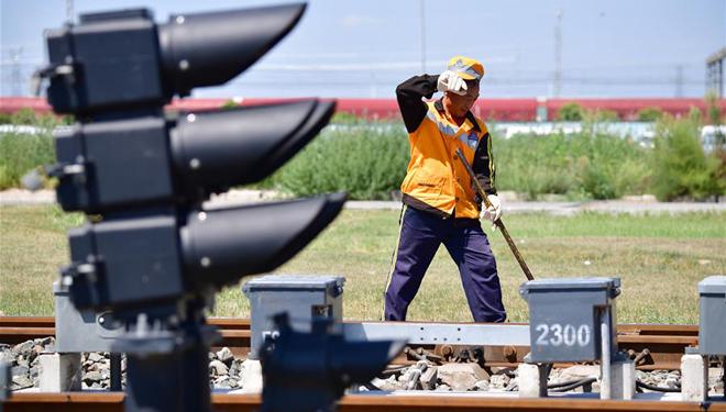 Wartung der Schienen unter hoher Temperatur in Xi'an