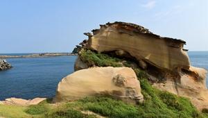 Felsen in der Nähe des Yehliu-Geoparks in Taiwan
