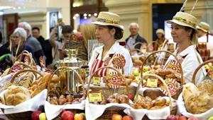 Festival der lokalen Küche in Moskau bietet Naturprodukte aus verschiedenen Teilen Russlands