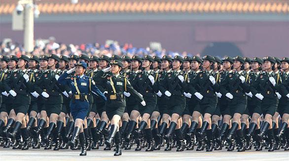 (Nationalfeiertag) Weibliche Generäle nehmen zum ersten Mal an Militärparade teil
