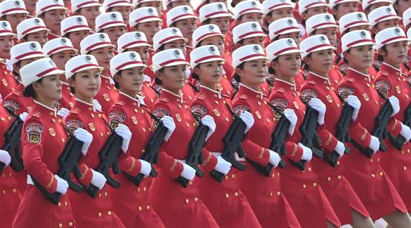(Nationalfeiertag) Frauenmiliz nimmt an Parade zum chinesischen Nationalfeiertag teil