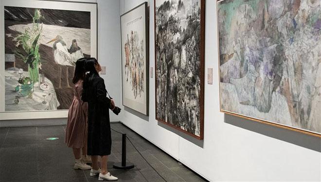 Exponate im Hunan Art Museum in Changsha ausgestellt