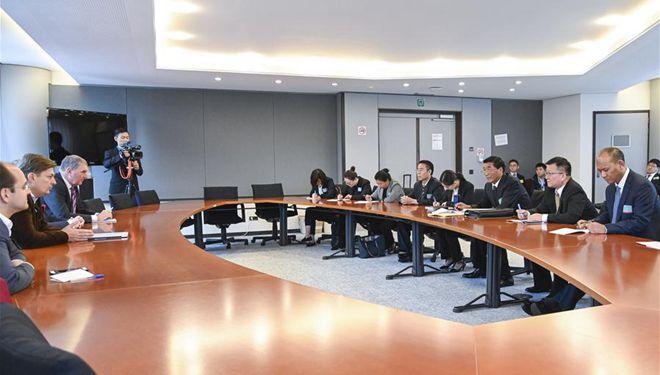 Tibetische Delegation des chinesischen Nationalen Volkskongresses besucht Europäisches Parlament