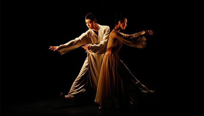 Chinesische Tänzer treten in Tel Aviv von Israel auf