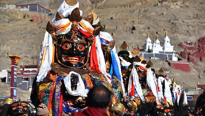 Religiöse Zeremonie findet in Xigaze von Chinas Tibet statt