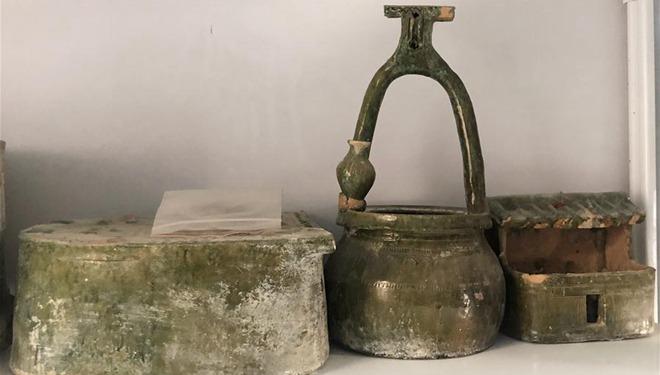 Mehr als 600 alte Gräber mit 2000 Grabbeigaben am Ufer des Gelben Flusses gefunden