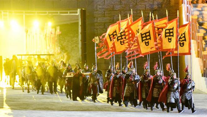 "Das Musical ""A Thousand-Year Promise to Kunlun"" in Xinjiang aufgeführt"