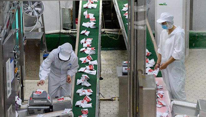 Kostenlose Milch ernährt Kinder im Vorschulalter in Xinjiang