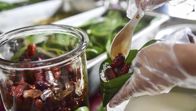 Neuer Zongzi-Geschmack mit reifem Essig in Shanxi