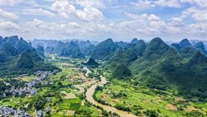 Ansicht des Kreises Yangshuo in Südchinas Guangxi