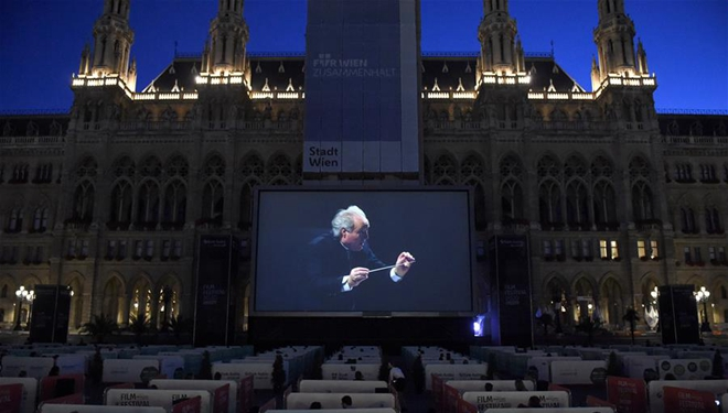 Filmfestival am Wiener Rathausplatz eröffnet