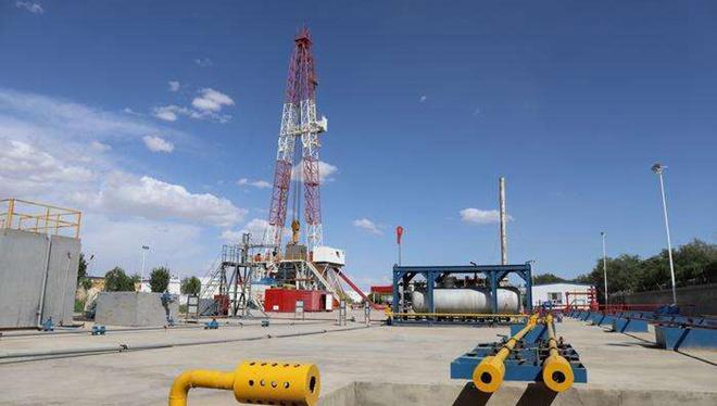 Chinesisches Unternehmen schließt Bohrung von tiefstem Ölbrunnen auf Land in Asien ab