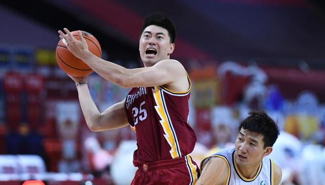 CBA-Spiel: Shanxi Loongs 107:100 Zhejiang Lions