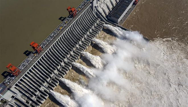 Luftaufnahme des Drei-Schluchten-Damms in Chinas Hubei